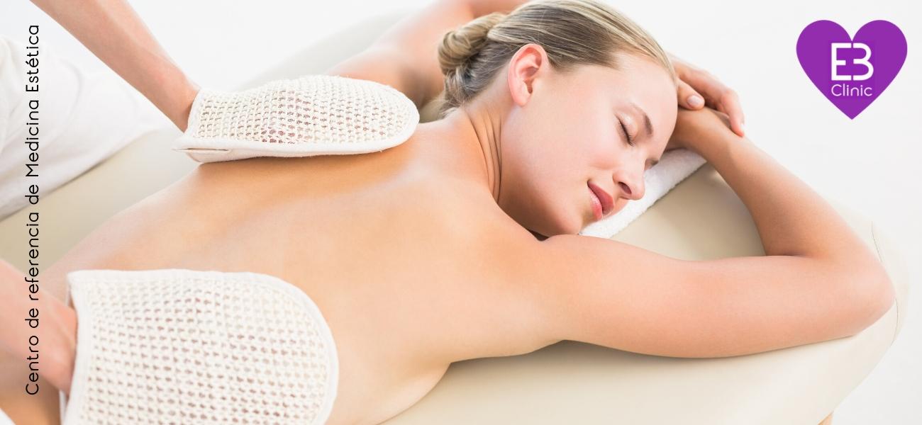 Peeling corporal; qué es y cómo mejora tu piel